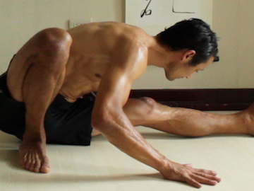 janu sirsasana c foot position modification 1