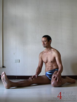 Stretching the quadriceps with one leg kneeling and the other leg straight. Neil Keleher. Sensational Yoga Poses.