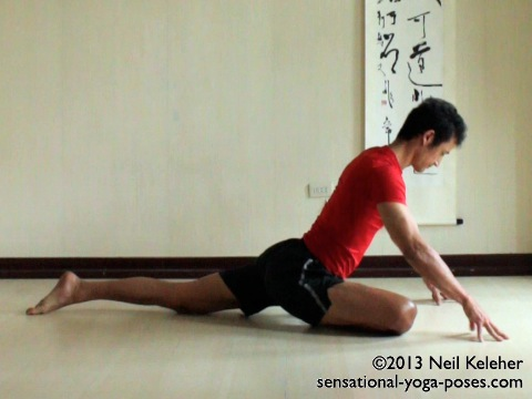 pigeon yoga pose, pigeon yoga pose variations, pigeon hip stretch, pigeon hip stretch variations,