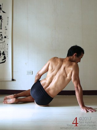 Side plank on knees, initial position with shoulder relaxed. Neil Keleher. Sensational Yoga Poses.