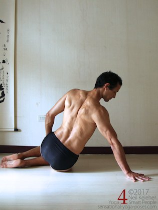 Side plank on knees, initial position with shoulder active. Neil Keleher. Sensational Yoga Poses.