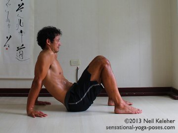 Scapular Stabilization, shoulders relaxed in easy table top. Neil Keleher. Sensational Yoga Poses.